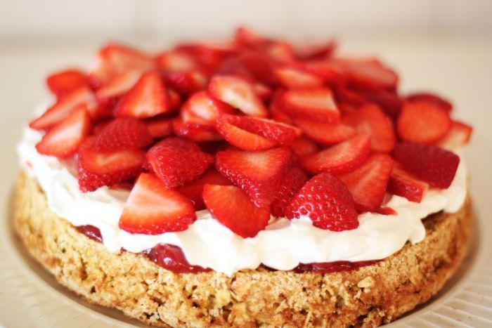Kristine Ullebø - oppskrift: sunn kake
