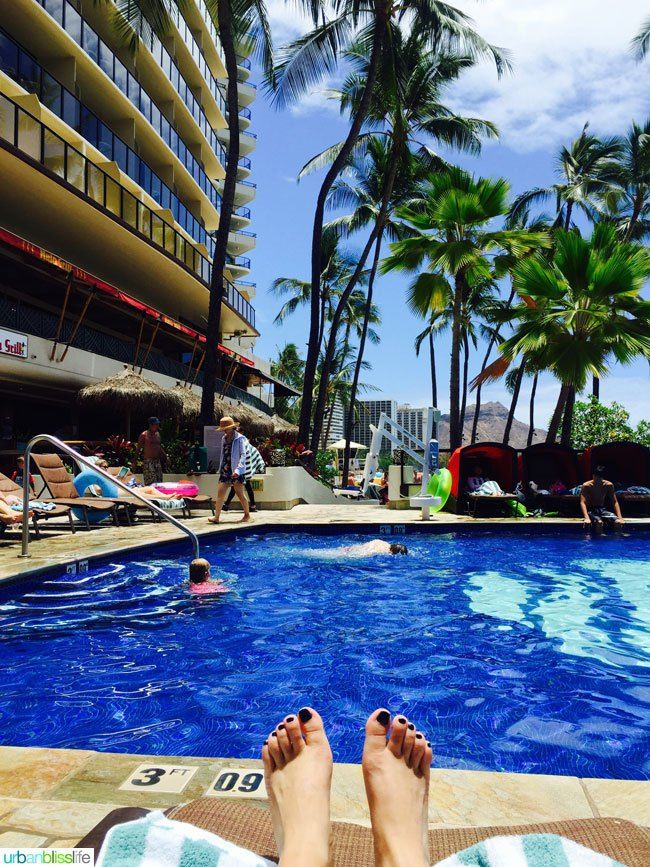 Where To Stay In Waikiki Honolulu Oahu Outrigger Beach Resort Hotel Review On Urbanblisslife