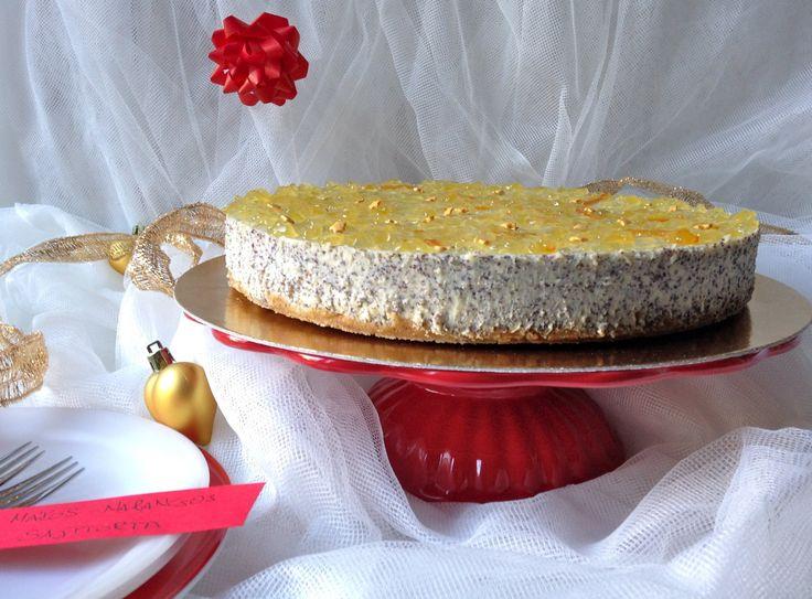 Nem titkoltan az a szándékom, hogy mindenki karácsonyi asztalán ott ragyogjon ez a torta. A narancslekvártól ünnepi, elegáns külseje lesz, a mák...