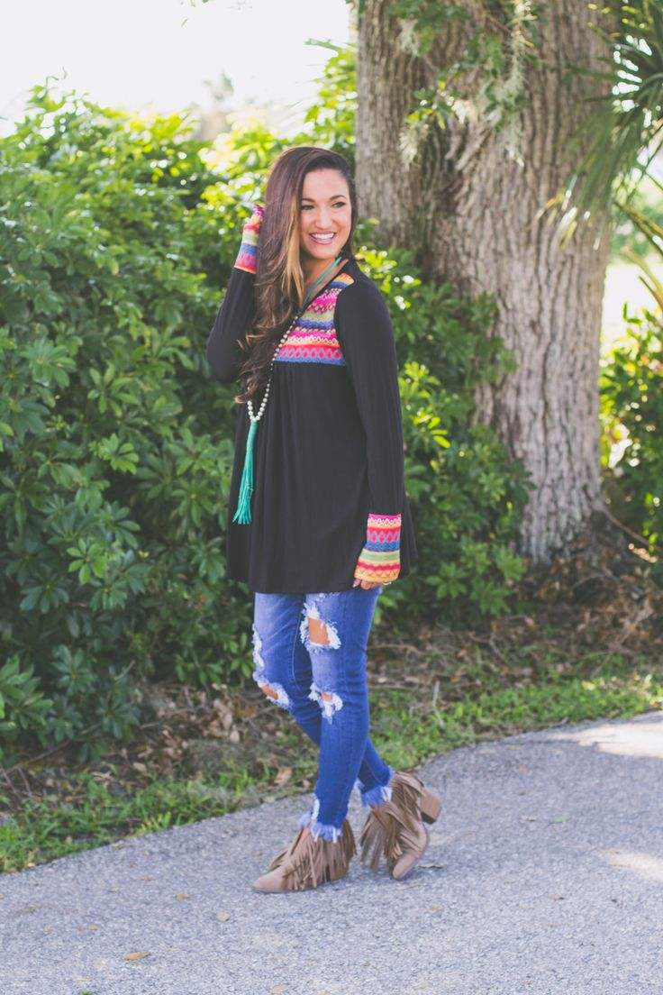 Aztec long sleeve top. The perfect outfit for sweater weather!  Pairs perfectly with our tassel necklace!  Grab your today. 🖤