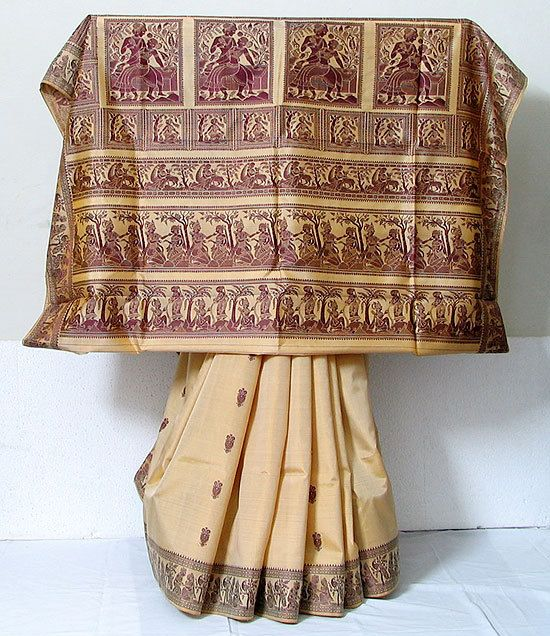 A Baluchari saree with designs that highlights the influence of the terracota temples in Bishnupur.