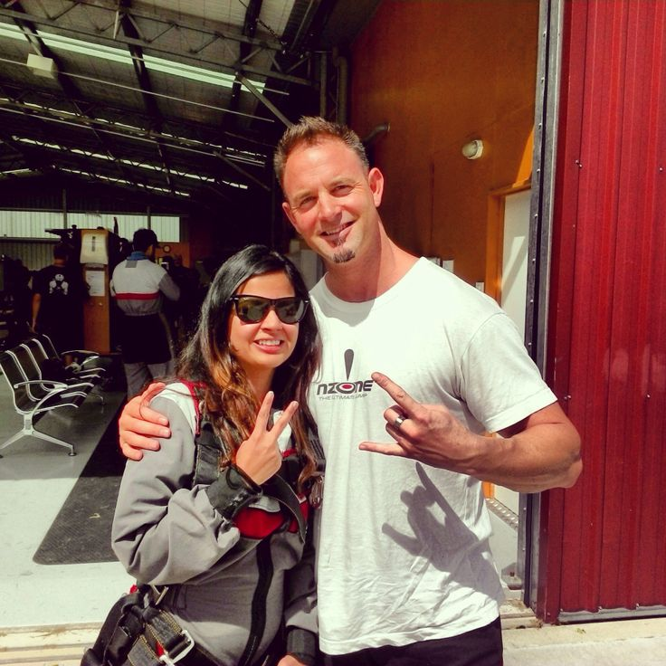 INDIAN CRICKET - Mrs Sakshi Dhoni - Out for her NZONE Skydive (Queenstown) !!!