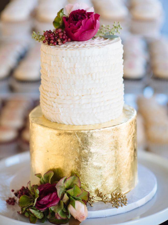 20 Metallic Wedding Cakes | SouthBound Bride | http://www.southboundbride.com/20-more-metallic-wedding-cakes | Credit: Shane Macomber/Sweet Frostings Bake Shop via Junebug Weddings