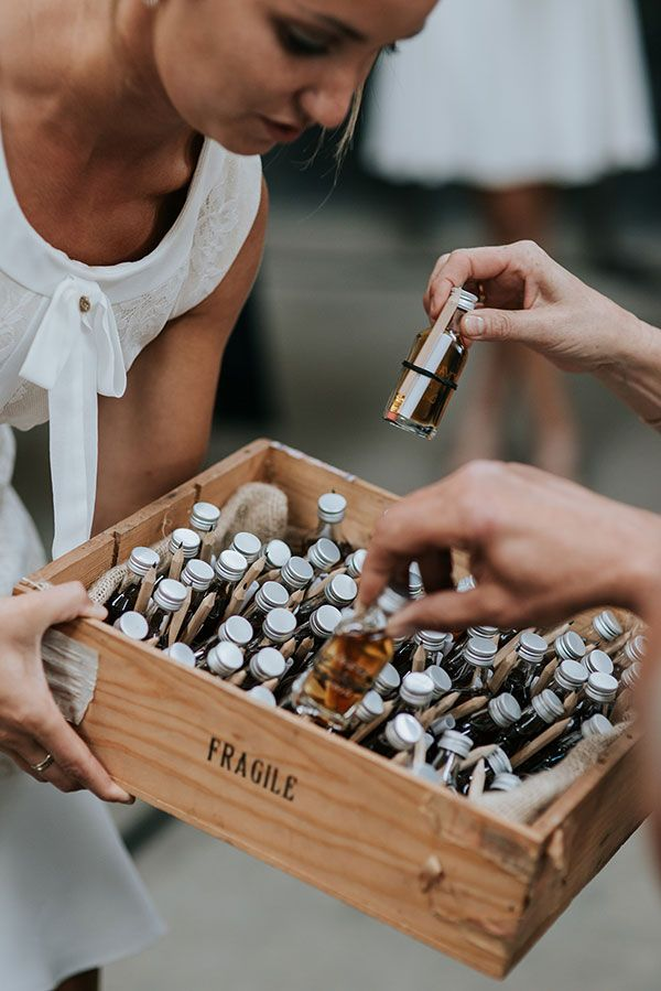 23 Chic DIY Wedding Favors Guests will love