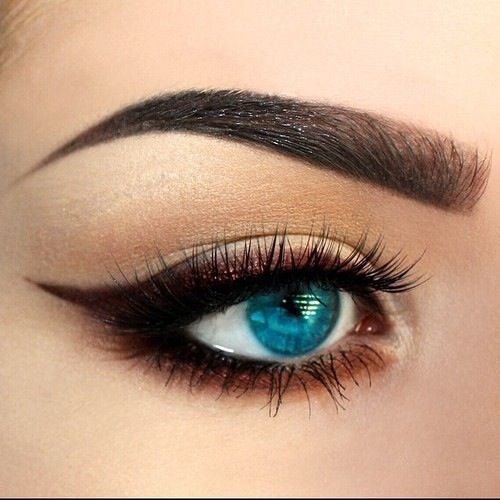 makeupbeautyMake Up, Eyeliner, Eye Makeup, Cat Eyes, Beautiful, Makeup Ideas, Blue Eyes, Eyemakeup, Hair