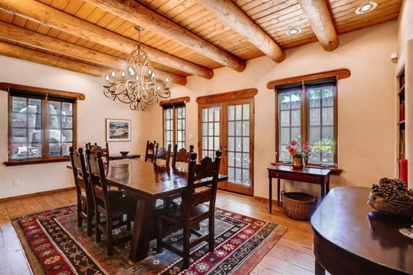 COMPLETELY RENOVATED SANTA FE HOME | New Mexico Luxury Homes | Mansions For Sale | Luxury Portfolio