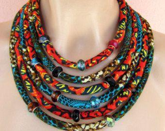 Multi Strand Afrikaanse ketting / stof verklaring ketting, Afrikaanse sieraden, Wax print stof sieraden