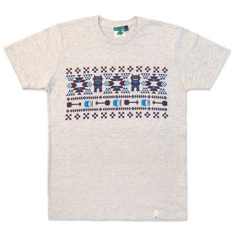 沖縄 三線(さんしん)Tシャツデザイン CAMP Ryukyuのネイティブミンサー シーサー、三線、エイサー太鼓と沖縄モチーフが ふんだんに盛り込まれている
