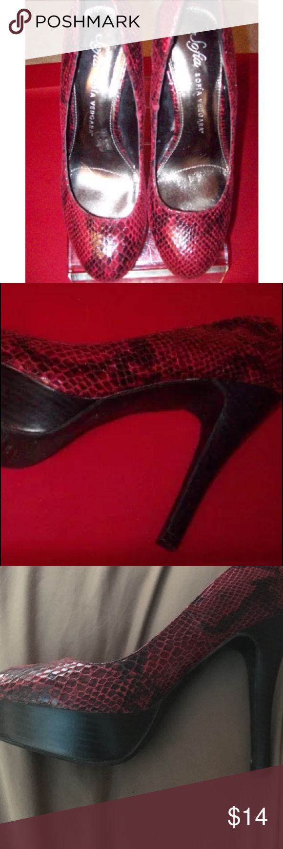 "BLOWOUT HOLIDAY SALE‼️Sofia  Vergara Heels Size8.5 STYLE:   SNAKE SKIN LOOK, 5"" HIGH,  PUMPS.  NEAR EXCELLENT CONDITION!  REFER TO PHOTOS.  AS I STATED, THEY HAVE ONLY BEEN WORN ONCE!    SIZE:  8.5 (U.S.)    WIDTH: MEDIUM    HEEL HEIGHT:  5 INCH  *STYLISH FOR WEARING WITH JEANS, PANTS, CAPRIS, SKIRTS, OR DRESSES!!   *GREAT FOR CLUB WEAR! Sofia Vergara Shoes Heels"