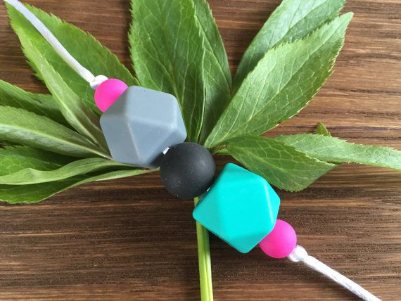 Nursing Necklace: Turquoise Stone por LuluBabyFriendly en Etsy