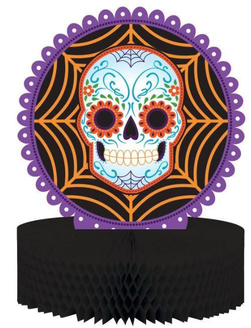 Questa decorazione di Halloween consiste in un centrotavola realizzato in carta alveolata e cartoncino e grande 30 x 22 cm. La base è circolare, in carta alveolata nera, e regge un disco di cartone raffigurante un teschio con decori floreali e colorati tipici del dia de los Muertos messicano. Se avete scelto di festeggiare Halloween in modo originale e colorato, questo centrotavola Dia de los Muertos sarà la decorazione perfetta per il vostro buffet!