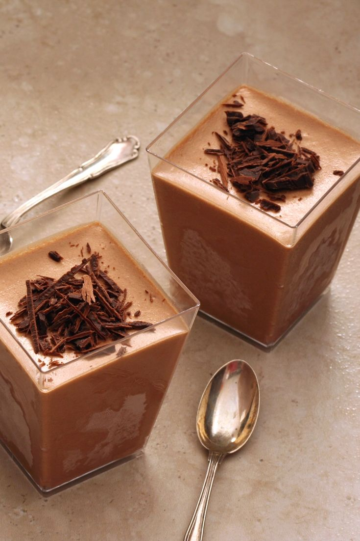 This chocolate semifreddo recipe is the ideal Italian summer dessert for those who can't get enough chocolate.