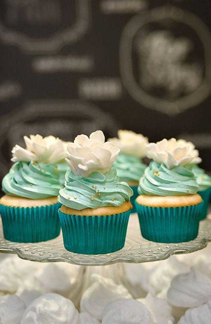 cupcake mariage turquoise blanc aqua carnet d'inspiration mariage mademoiselle cereza                                                                                                                                                                                 Plus