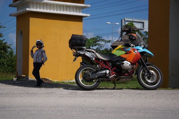 "Flamboyant corner marking by Mrs MBW: See all the stories about that motorcycling nirvana called Mexico on our Ferris Wheels Motorcycle Safaris Tacos 'n' Tequila tour. Just go to motorbike writer.com and search for ""Mexico""."
