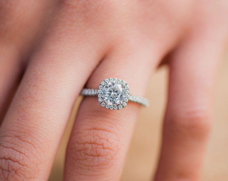 Shopping for a ring? @jamesallenrings has all the info about buying diamonds online!