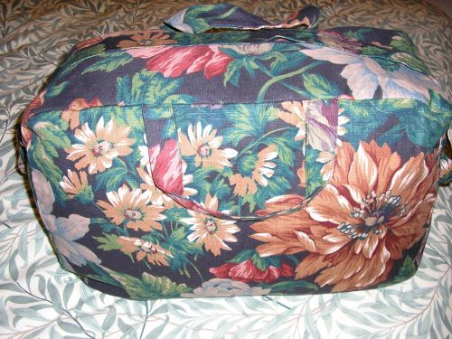 Weekend Bag in Black Floral Linen