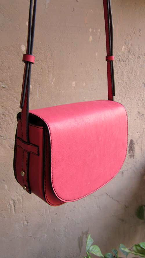 Coral Little Stefanie, Chiaroscuro, India, Pure Leather, Handbag, Bag, Workshop Made, Leather, Bags, Handmade, Artisanal, Leather Work, Leather Workshop, Fashion, Women's Fashion, Women's Accessories, Accessories, Handcrafted, Made In India, Chiaroscuro Bags - 10