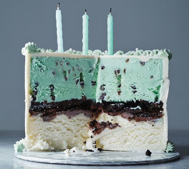 Layer vanilla ice cream, chocolate sauce, wafer cookies, and mint ice cream to make this cake.