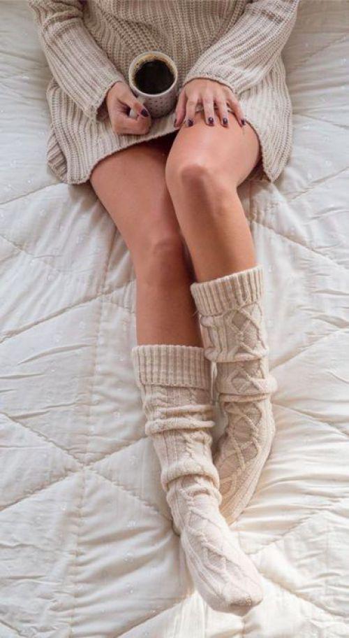 As meias são ótimas para se manter aquecida naqueles dias de preguiça.