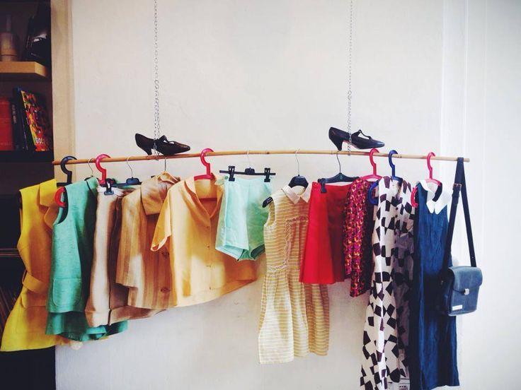 Vintage clothes at La Gare du Vintage - Happy colors !