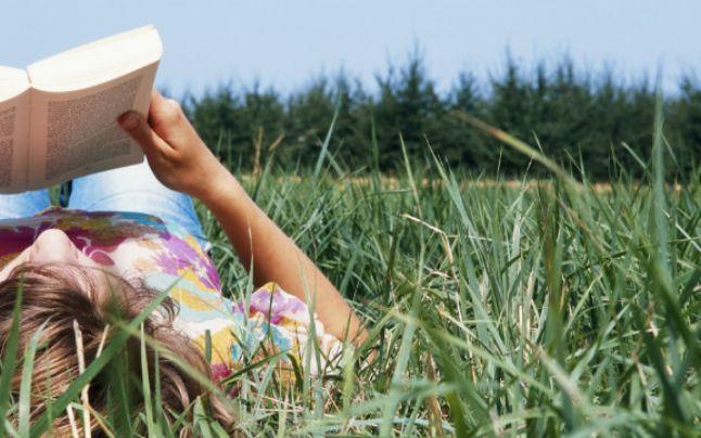 O zi de lectură pe iarbă, în parcul Herăstrău #book #read #bucharest