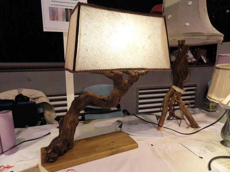 Lampe pied de vigne avec abat jour rectangle en tissu tendu for Realiser un abat jour en tissu