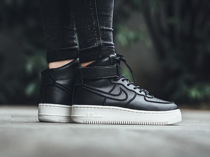 Damskie buty Nike Wmns Air Force 1 Upstep Hi SI CZARNY
