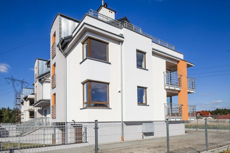 Okna PVC narożne w blokach mieszkalnych od Stolmar.