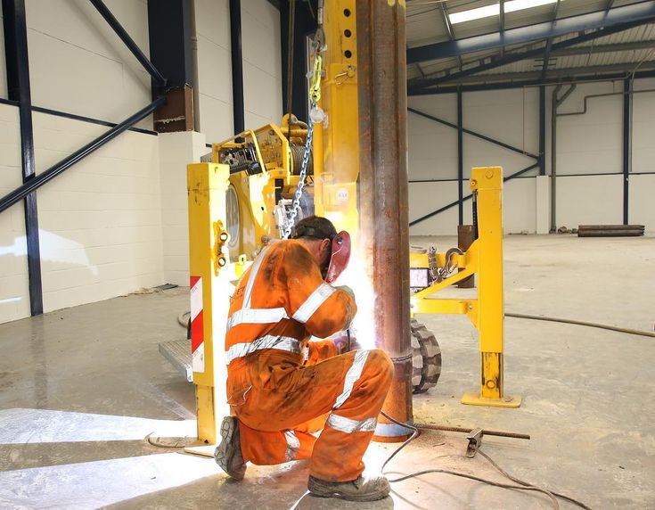 With our new electric drop hammer rig we can work inside existing building with no diesel fumes to worry about  #lebotec #drophammer #rogerbullivant #piling #pilingrig #foreman #healthandsafety #fumes #diesel #civilengineering #construction #constructionindustry #constructionworker #steel #pile #concrete #electric #welding #professional #efficient #reliable #enquiry