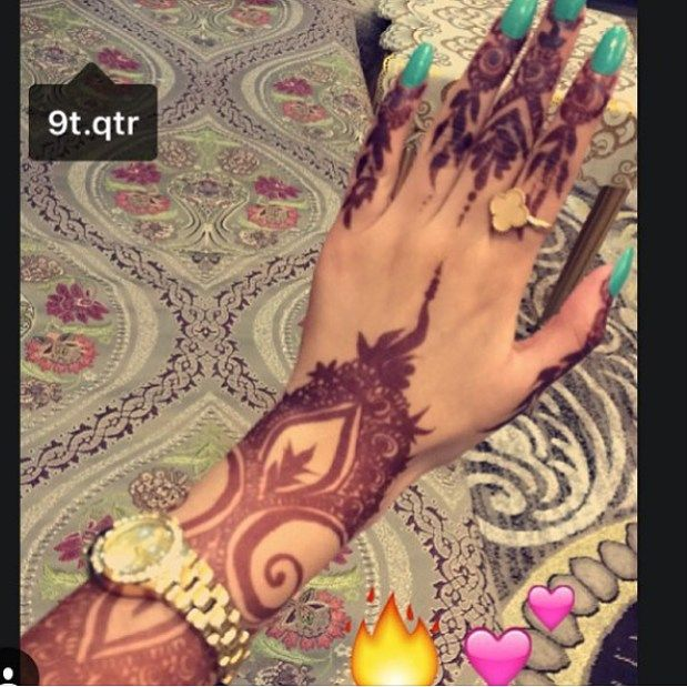 United Arab Emirates  For booking henna & enquiries :-  Direct message  لا احلل وجود الرجال