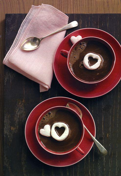 Homemade Hot Chocolate - That IT Girl.com #drinks #chocolate #valentines