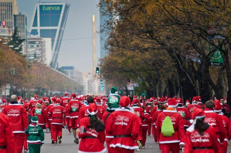 Madrid bate el Record Guinness con más de 5000 Papá Noeles  corriendo por el Paseo de la Castellana. (960×638)