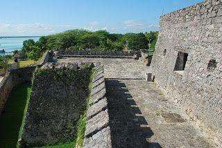 Soñando en estéreo, cayendo al abismo sónico: El Fuerte de San Felipe Bacalar
