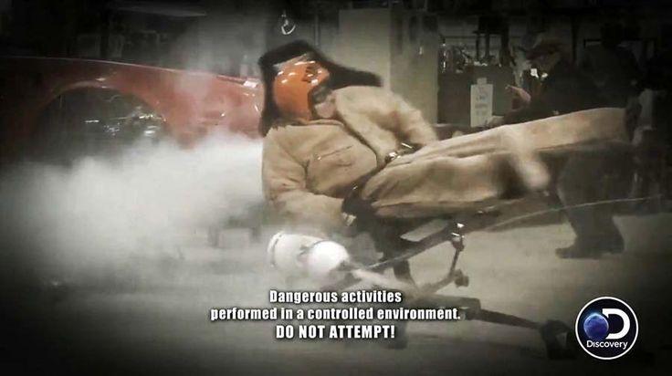 На что только не пойдешь ради 15 минут славы. Ребята же из шоу «Street Outlaws», выходящего на Discovery Channel, решили создать безумный офисный стул с огромной скорость вращения вокруг …