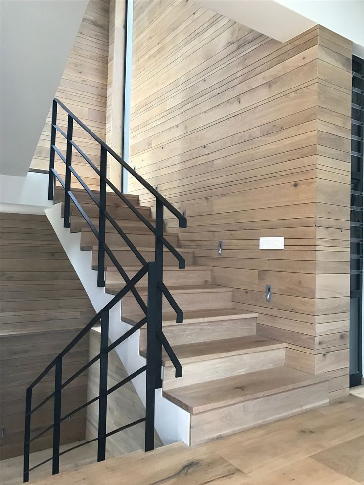 Solid oak staircase, and Random pattern Oak cladding by Havwoods