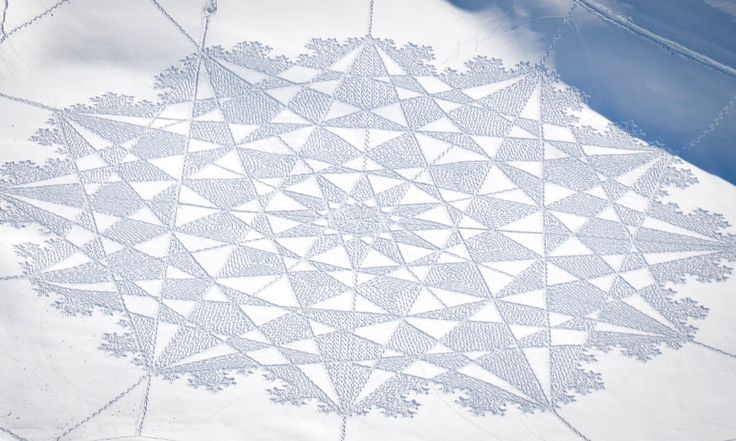 How does snow artist Simon Beck trace massive, intricate patterns in the snow? With a little math and a lot of legwork.