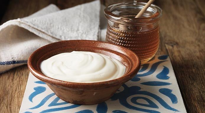 Yogurt greco fatto in casa e siete subito a Mykonos
