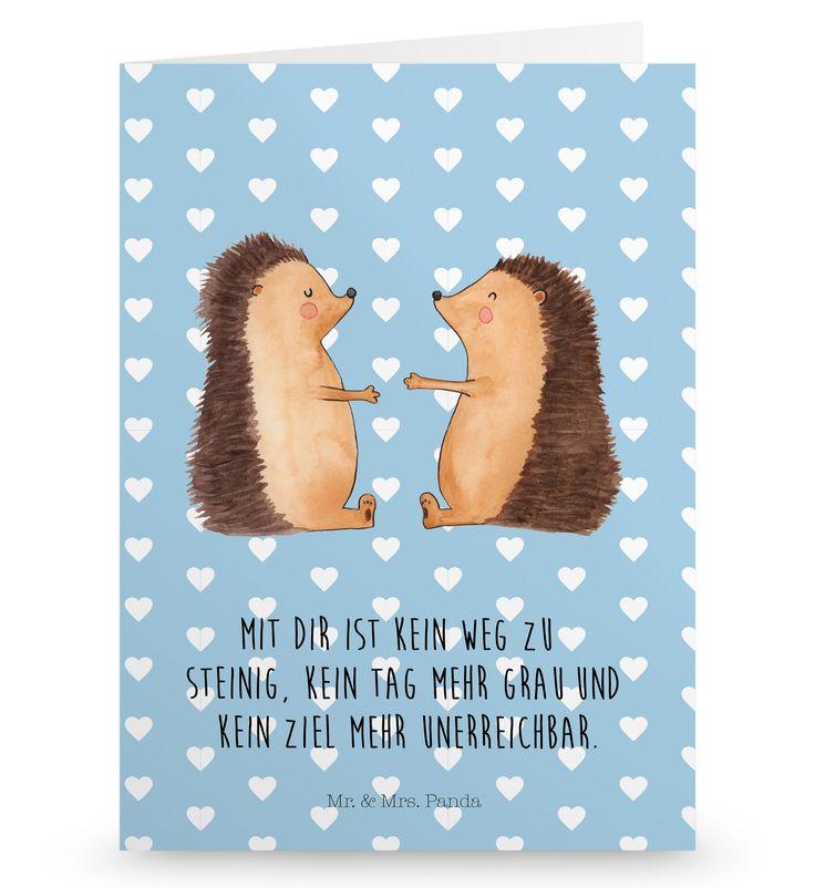 Grußkarte Igel Liebe aus Karton 300 Gramm  weiß - Das Original von Mr. & Mrs. Panda.  Die wunderschöne Grußkarte von Mr. & Mrs. Panda im Format Din Hochkant ist auf einem sehr hochwertigem Karton gedruckt. Der leichte Glanz der Klappkarte macht das Produkt sehr edel. Die Innenseite lässt sich mit deiner eigenen Botschaft beschriften.    Über unser Motiv Igel Liebe  Das Gefühl verliebt zu sein und seinen Verbündeten gefunden zu haben ist unbezahlbar.  Die verliebten Igelchen überbringen für…