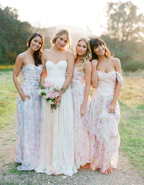Watercolor Print bridesmaids dresses / http://www.himisspuff.com/bridesmaid-dress-ideas/15/