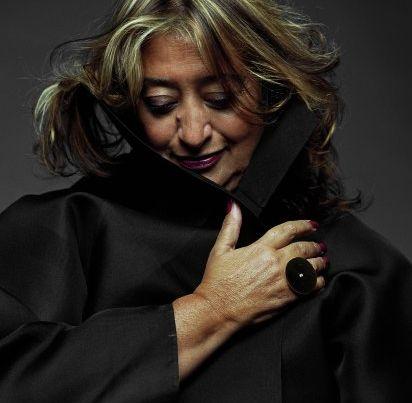 Zaha Hadid, rompiendo moldes, construyendo nuevas dimensiones. Admirable. Arquitecta.Mujer entera.