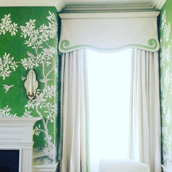 Alessandra Branca Alessandra Branca shared this yesterday via Instagram and Facebook and I had to share it with you. Green is a hot color trend this year and combining green and Chinoiserie is such a