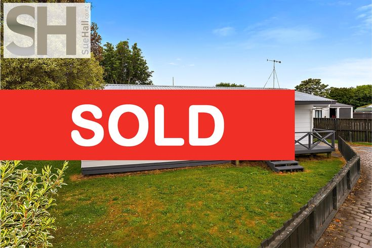 SOLD - 20A Kentucky Crescent So happy to have been able to help secure the sale ... Well done guys!!!