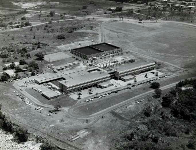 Aerial view of Darwin High School 1972