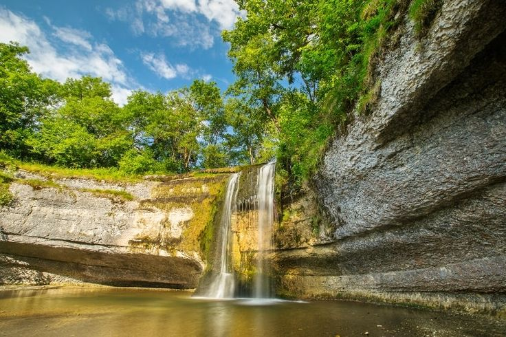 """La vallée des sept cascades dans le Jura"" 15 ideias de lugar para nadar na França"