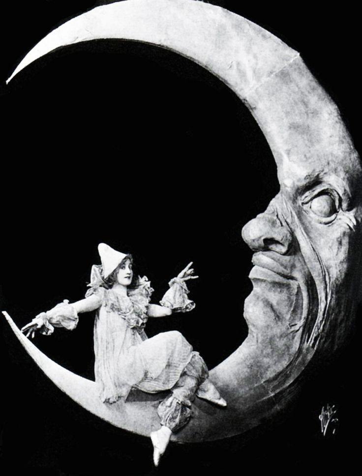 Bessie McCoy Davis, 1917. Ziegfeld Follies. #moon