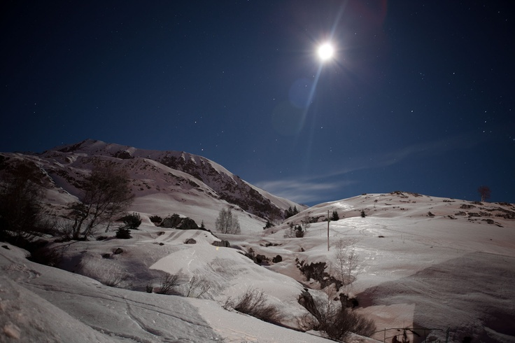 Alpe d'Huez at night, snowboarding holiday January 2011. Photo by jordanbutters photography.