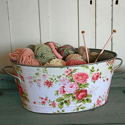 Mod podge fabric on any bucketBuckets, Shabby Chic, Wash Tubs, Yarns Storage, Decoupage, Storage Ideas, Shabbychic, Knits, Crafts