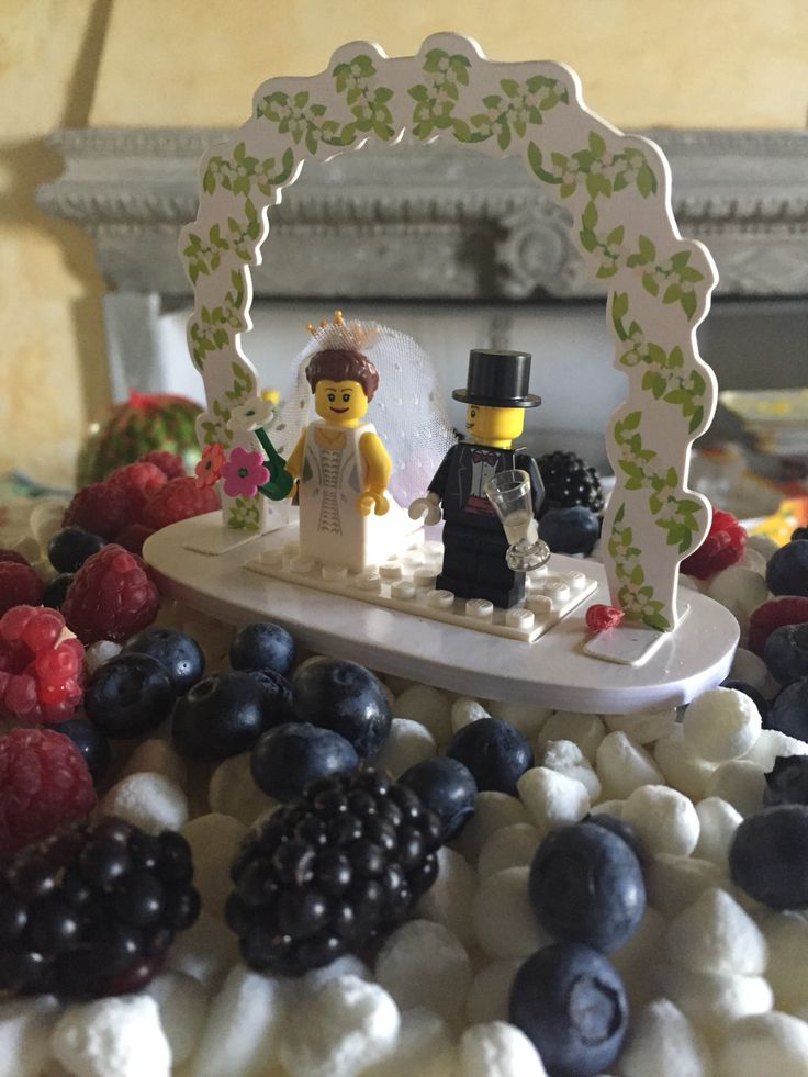 4 luglio 2015 Francesco e Giulia, lego, top, wedding cake, meringhe, frutti di bosco, torta nuziale, italy, italian wedding, bride groom, sposi