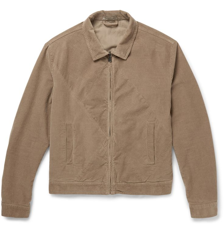 Crafted in Italy from plush stretch-cotton corduroy, this Bottega Veneta jacket typifies casual sophistication. The juxtaposing wale of the panels creates a geometric pattern which gives the design a subtle dose of visual interest, whilst the soft beige hue makes for a wide variety of styling options. Multiple pockets provide a practical place to stow your personal effects.