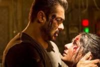 Tiger Zinda Hai ticket office collection: Salman Khan starrer set for Padmaavat, PadMan penalty? This is in store for film https://goo.gl/BCX1gE